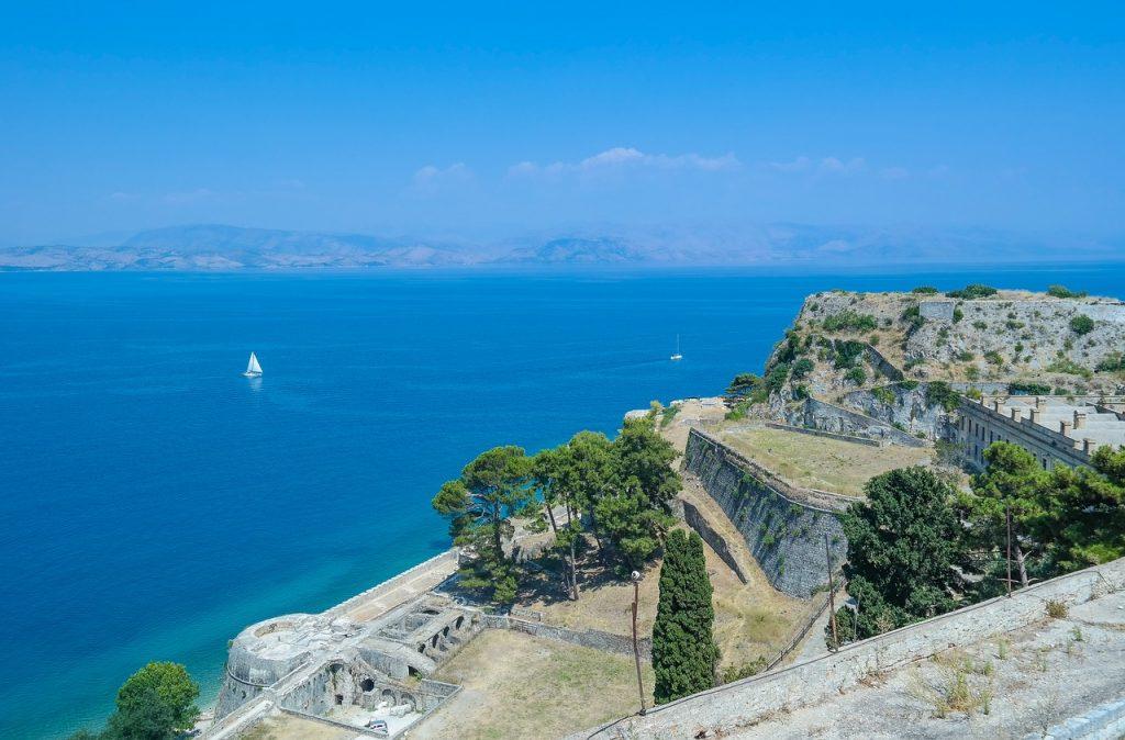 Blick von Korfu aufs Meer